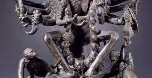 क्या प्राचीन काल के अस्त्र-शस्त्र रूप धारण करते थे