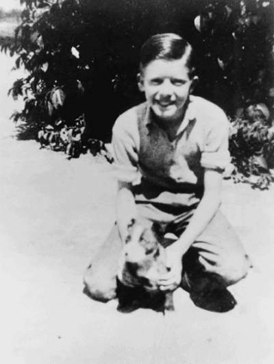 Jimmy_Carter_with_his_dog_Bozo_1937