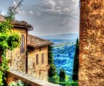इटली की एक लड़की का रहस्यमय अतीत, एक भ्रम या कुछ और