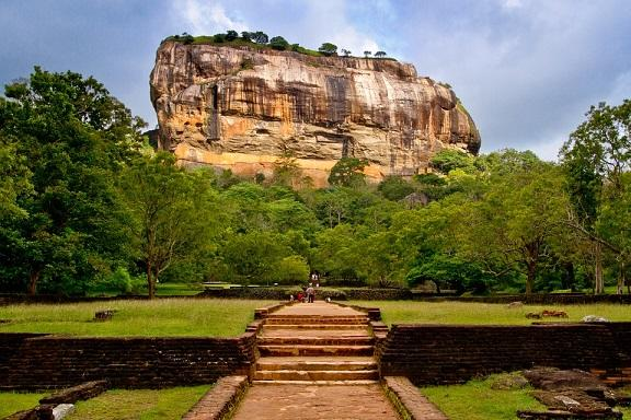 श्रीलंका-के-जयसेना-परिवार-के-पुत्र-के-पुनर्जन्म-की-घटना