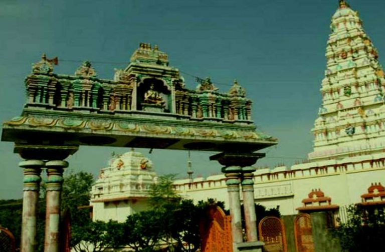 राज राजेश्वरी माँ त्रिपुर सुंदरी मंदिर, जहाँ मूर्तियाँ बोलतीं हैं