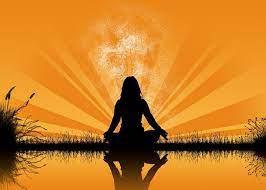 सूर्योदय के समय उसकी तरफ पीठ करके बैठ जाइये